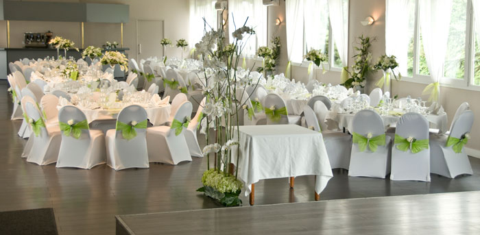 Decoration florale table mariages accueil design et mobilier for Decoration florale table